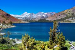 Scenic Mountain Lake, Sierra Nevada Mountains royalty free stock photos