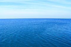 Deep blue sea with clear sky Royalty Free Stock Photography
