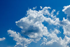 Deep blue sky and clouds Royalty Free Stock Photos