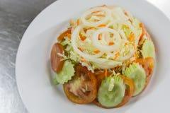 Deep fried calamari whit salad Royalty Free Stock Photos