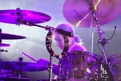 Deep Purple se realiza en etapa durante su concierto en Minsk, Bielorrusia el 27 de marzo de 2011 Imagenes de archivo