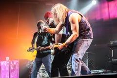 Deep Purple se realiza en etapa durante su concierto en Minsk, Bielorrusia el 27 de marzo de 2011 Foto de archivo libre de regalías