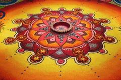 Deepak avec le rangoli coloré Images stock