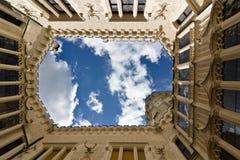 Deeple de château au-dessus de vlatva Tchèque Photographie stock