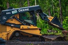 Deere 331g lizenzfreie stockfotos