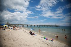 Deerfield Beach Pier Royalty Free Stock Images