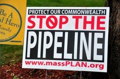 Deerfield, Massachusetts: Pare la muestra de la protesta de la tubería Fotos de archivo