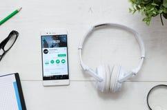 Deezer é um serviço que ofereça a música de fluência legal Imagem de Stock Royalty Free