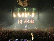 Def Leppard in scena ad Amalie Arena a Tampa, Florida fotografia stock libera da diritti