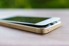Defekt smartphone Arkivbild