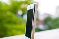 Defekt smartphone Fotografering för Bildbyråer