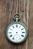 Defekte alte Uhr ohne Hände Lizenzfreies Stockfoto