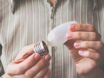 Defekte Glühlampe Defekte Glühlampe-Birne Lizenzfreie Stockbilder