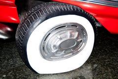 Defekter zu reparieren Reifen Stockbilder