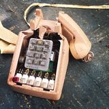 Defektes Büro-Telefon Stockbild