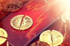 Defektes bitcoin spaltete sich in zwei Stücken auf, die auf rote Diagramme legen, anzeigte Bildschirm Niedrige Einkommen von cryp vektor abbildung