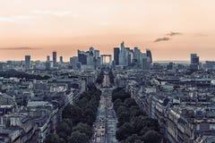 Defensa del La, distrito financiero en París Foto de archivo