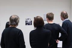 Defensa Semestral del trabajo en la facultad de artes foto de archivo