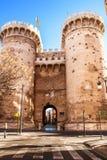 Defensiv tornkvart i den historiska mitten av Valencia royaltyfria bilder