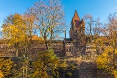 Defensiv vägg, tornNuremberg-Tyskland Royaltyfria Foton