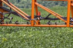 Defensive Spritzmaschine landwirtschaftlich lizenzfreie stockfotografie