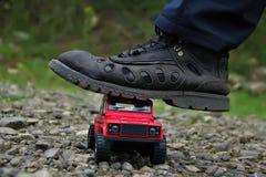 Defensor vermelho de land rover Fotografia de Stock Royalty Free
