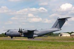 A defesa de Airbus Airbus e o espaço militares A400M Atlas quatro grandes forças armadas engined transportam os aviões F-WWMZ Fotografia de Stock
