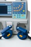 Defibrillator para el cuidado de emergencia imagenes de archivo