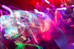 Defocus klubbaljus oskarpa lampor Arkivfoton