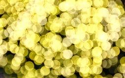Defocused предпосылка желтых светов стоковые изображения