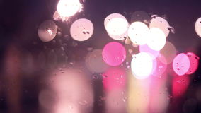 Defocused светофоры ночи предпосылка урбанская акции видеоматериалы