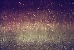 Defocused紫色和桃红色光背景照片 库存照片