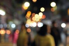 Defocused abstraktes bokeh des Nachtmarkthintergrundes Stockbilder