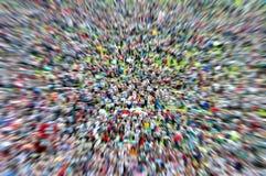 Defocused en vage menigte van mensen stock afbeeldingen