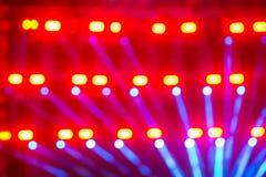 Defocused Lichter auf Konzertstadium Lizenzfreies Stockbild