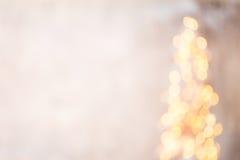Defocused Weihnachtsbaumschattenbild mit unscharfen Lichtern Lizenzfreie Stockfotografie