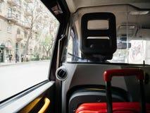 Defocused widok od Hackney taxi karecianej taksówki w Baku obrazy royalty free
