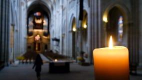 Defocused wnętrze katolicka katedra zbiory wideo