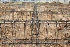 Deforme a barra, construção de aço. Imagens de Stock