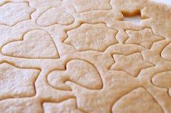 Deg rullande ut och kakor som ut klipps Fotografering för Bildbyråer