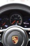 Deggendorf, Niemcy - 23 KWIECIEŃ 2016: wnętrze 2016 Porsche Macan Turbo SUV podczas luksusowej samochód prezentaci w Deggendorf Obraz Royalty Free