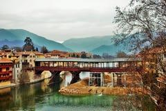 Degli Alpini di Ponte a Bassano del Grappa attualmente che subisce le riparazioni dovuto un crollo dopo un'inondazione fotografia stock libera da diritti