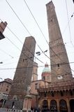 Degli Asinelli e Garisenda Torre Стоковые Изображения RF