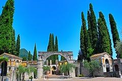 Degli Italiani Vittoriale στην πόλη Ιταλία Gardone Riviera στοκ φωτογραφία με δικαίωμα ελεύθερης χρήσης