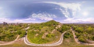 360 degrés de panorama aérien du tepe de Dzhendem également connu sous le nom de Y Image libre de droits