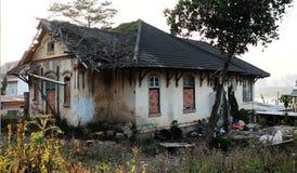 Degradación de la mansión foto de archivo