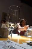 Degustação de vinhos, adega Donnafugata, Marsala, Sicília, Itlay, o 28 de maio Fotografia de Stock Royalty Free