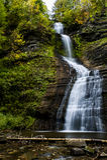 Deh-GA-ya-soh Fälle - Letchworth-Nationalpark, New York lizenzfreie stockfotografie