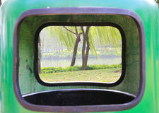 Dehors poubelle Photographie stock libre de droits