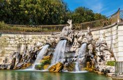 Dei Delfini de Fontana en Royal Palace de Caserta Foto de archivo